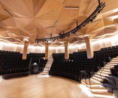 Αμφιθέατρο 984